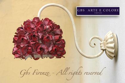 Applique con roselline in ferro battuto
