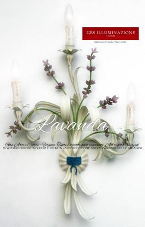 Applique in ferro battuto Fiori di Lavanda a 3 luci, colore bianco, tempera anticata. Made in Italy. GBS Firenze