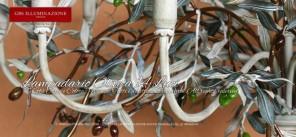 Lampadario Olive in ferro battuto decorato a mano, con rami di olivo. Collezione Country