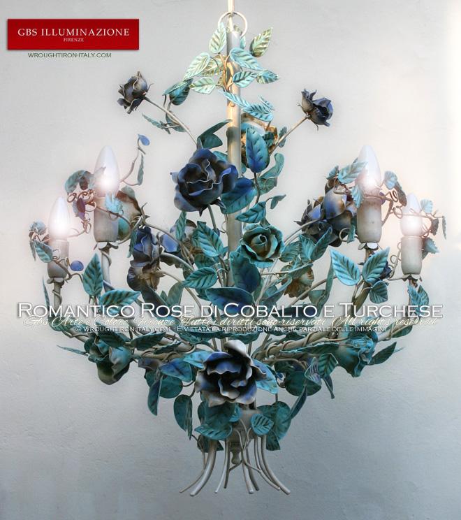 Lampadario Romantico di GBS, rose con i colori del cobalto e del turchese, smalto anticato, a 5 luci. Ferro battuto e decorato a mano.
