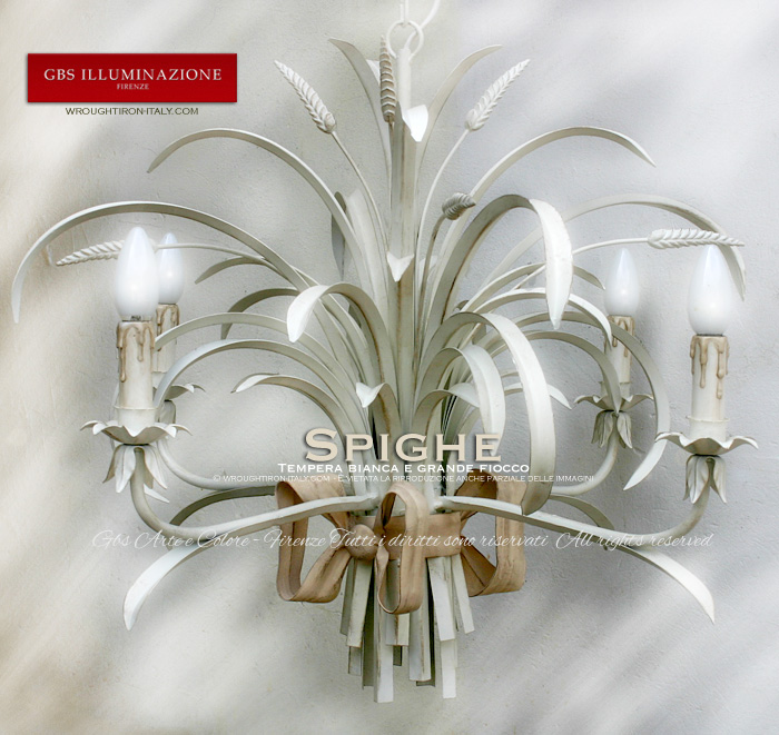 Hand-decorated wrought iron wheat chandelier with a large central double bow and a white patina tempera finish. Country Collection. MADE IN ITALY.