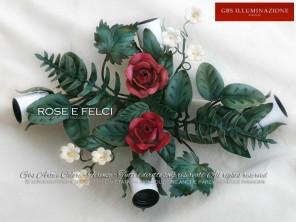 Piccola Plafoniera a tre luci con Felci, foglie e rose in ferro battuto e decorato a mano.