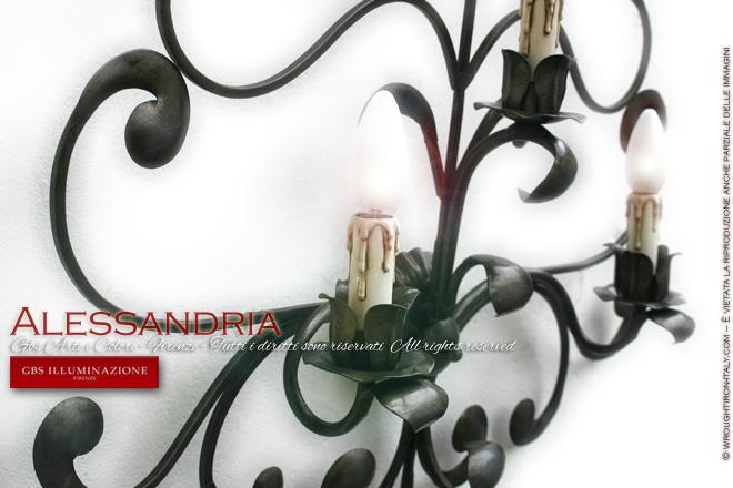 Applique in ferro battuto, nicchie forgiate, a tre luci, decorato a mano, collezione Alessandria di GBS.