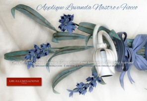 Applique con Lavanda, nastro e fiocchi. Tempera invecchiata. Applique bianco avorio con foglie verdi. Collezione Country di GBS. Made in Italy. Applique in ferro battuto e decorato a mano