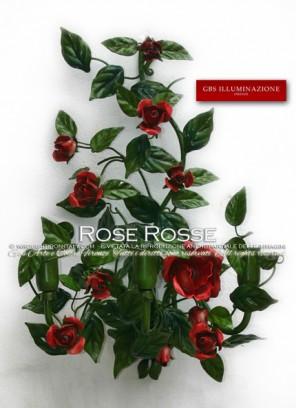 Applique in ferro battuto e decorato a mano, a tre luci, con rose rosse.