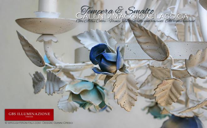 Lampadario in ferro battuto bianco, la Calendimaggio Classica Cobalto e Turchese è interamente dipinta a mano. GBS FIRENZE - MADE IN ITALY. Design: Gianni Cresci
