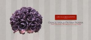 Divano, con punto di lettura. Lampada Sospensione ad una luce, in ferro battuto decorato a mano, collezione Grace di rose fiorite. Colore Viola con Patina Rossa.