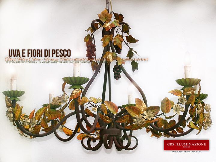 Collezione Country. Lampadario Uva e Fiori di Pesco. Lampadario per Enoteca, Taverna, Cucina in legno o in stile Country.