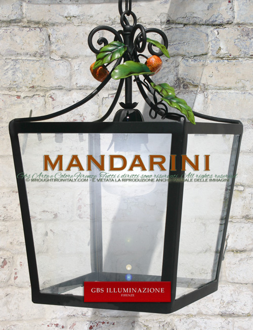 Hand-decorated wrought iron lantern with small mandarins - Country Style