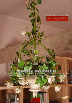 3-light Hanging Chandelier, Fioriera collection, with roses and white rosebuds. Support with climbing roses and green ivy