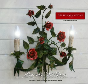 Sconce in aged enamel with ribbon and bow, enamel patina red roses