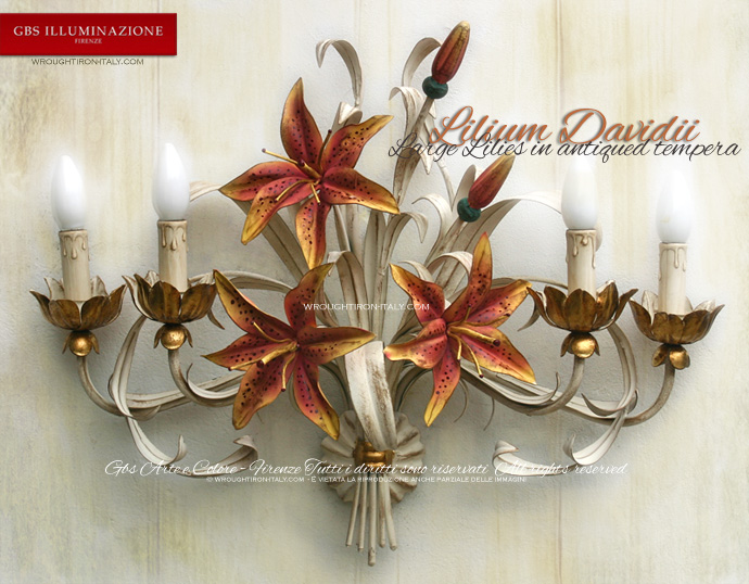 Lilium Davidii, 4-light sconce in wrought iron. Made in Italy, by GBS Firenze. Romantic White Wall Light