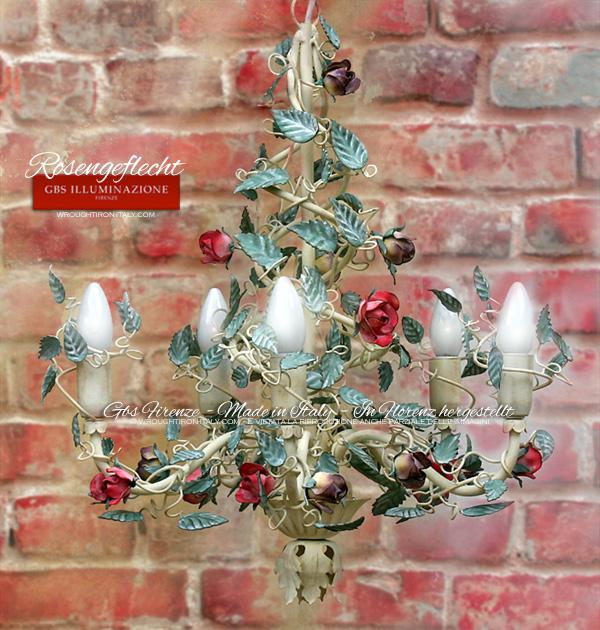 Schmiedeeisener Kronleuchter, kleine Rosen, Rosengeflecht in Tempera, wird zur Dekoration romantischer Zimmer, Kinderzimmer und zur Beleuchtung des Esszimmers verwendet.
