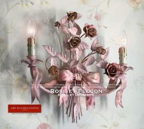 Applique romantique à deux lampes avec flocon et rubans, roses et boutons, couleur rose, détrempe patinée et émail vieilli.
