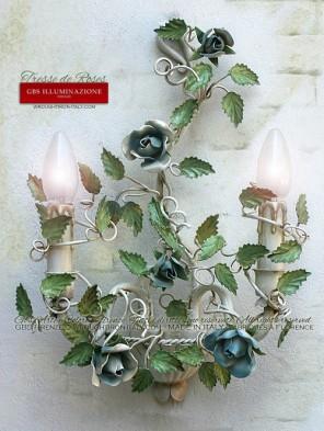 Applique avec roses en Fer Forgé Émail blanc vieilli, roses, petites roses et boutons de roses bleu ciel