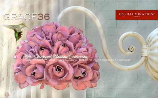 Grace36 ist die kleinste Leuchte aus der Kollektion Grace. 36 Rosen, Rosenblätter, patinierte Tempera.