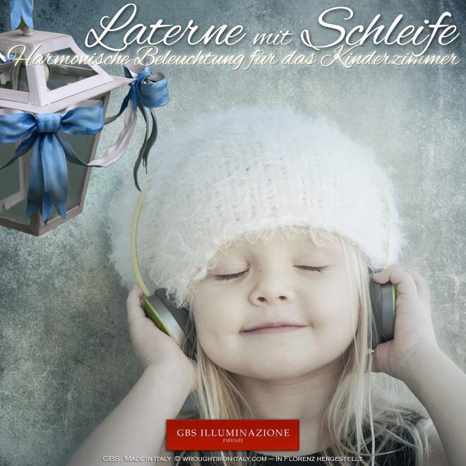 Laterne mit himmelblauer Schleife - Harmonische Beleuchtung für das Kinderzimmer