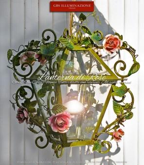 Lanterna di Rose. Ferro battuto e decorato a mano