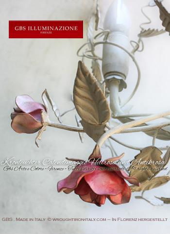 Kronleuchter mit Rosen Schmiedeeisen, von Hand bemalt
