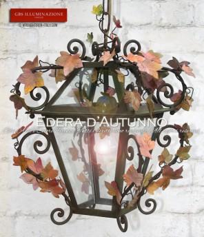 Lanterna in ferro battuto e decorato a mano. Colori dell'Autunno. Per interni ed esterno.