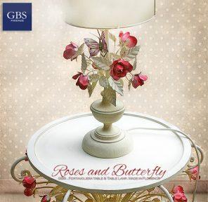 Fumetto comodino - Rose e farfalla. Colori personalizzati