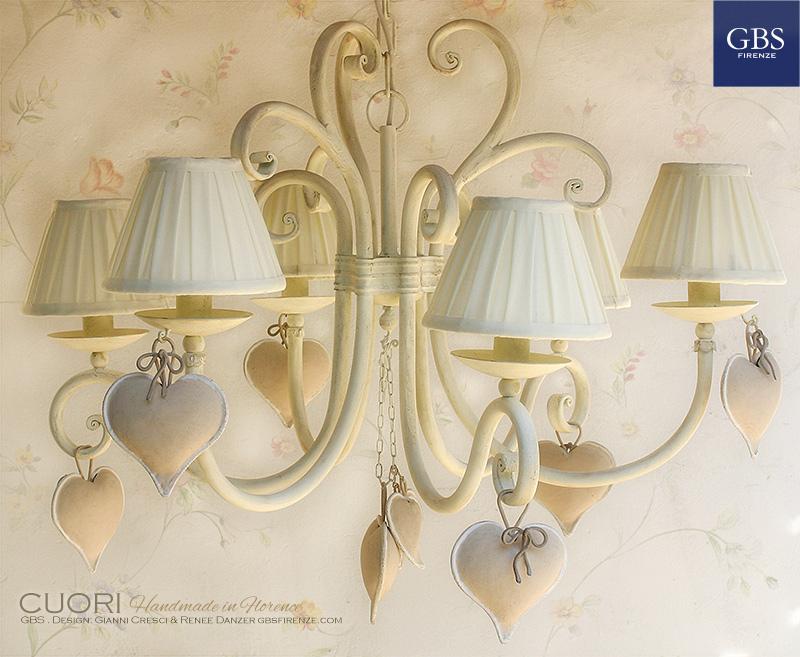 Corazones. Lámpara de techo araña 6 brazos. Design Renee Danzer & Gianni Cresci. Hierro forjado, pintado a mano.