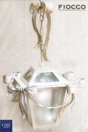 Moño Linterna. Cinta y Arco. Blanca. Tempera. Una luz.