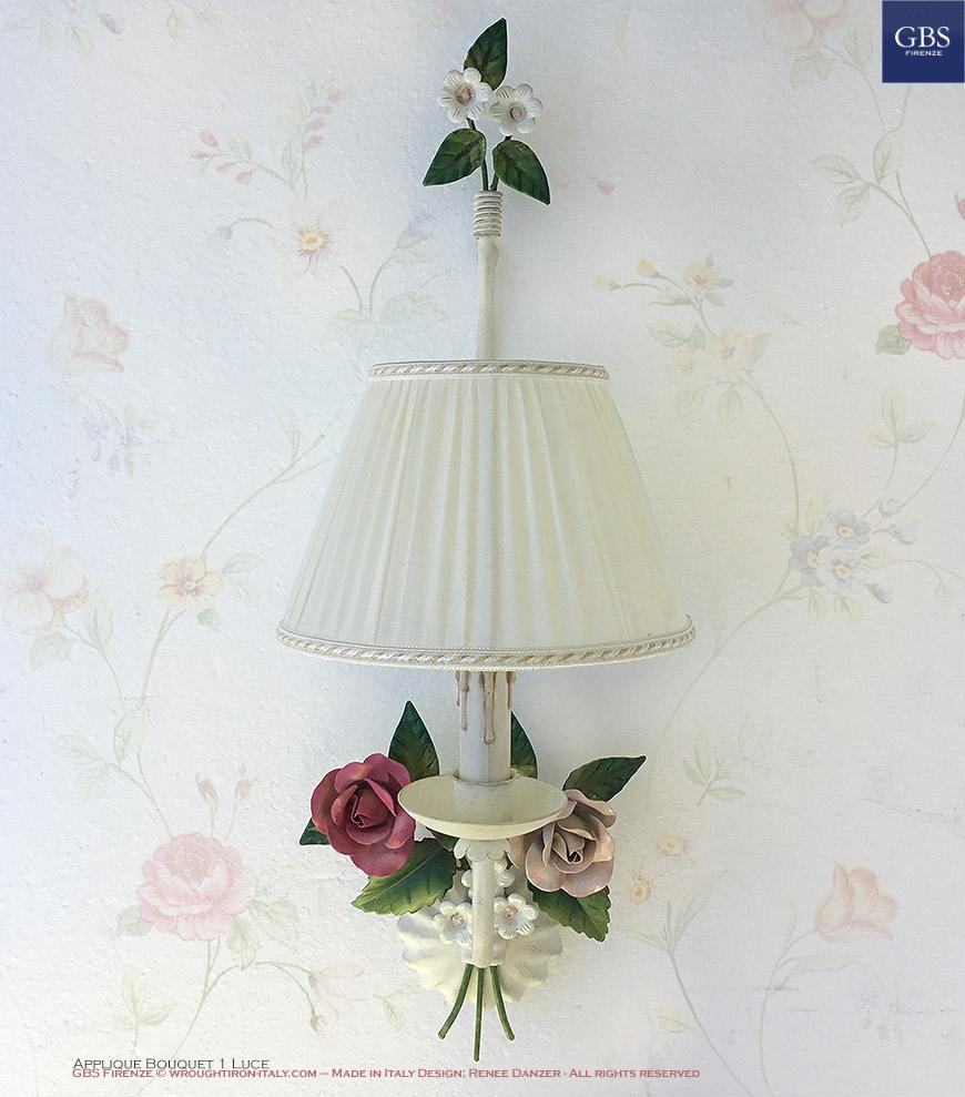 Applique Bouquet - 1 Luce. Rose e Fiori fragola. Ferro battuto e decorato a mano.