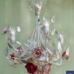 Lampadario Calendimaggio Selvatica. Versione a 4 luci con farfalla. Design: Gianni Cresci