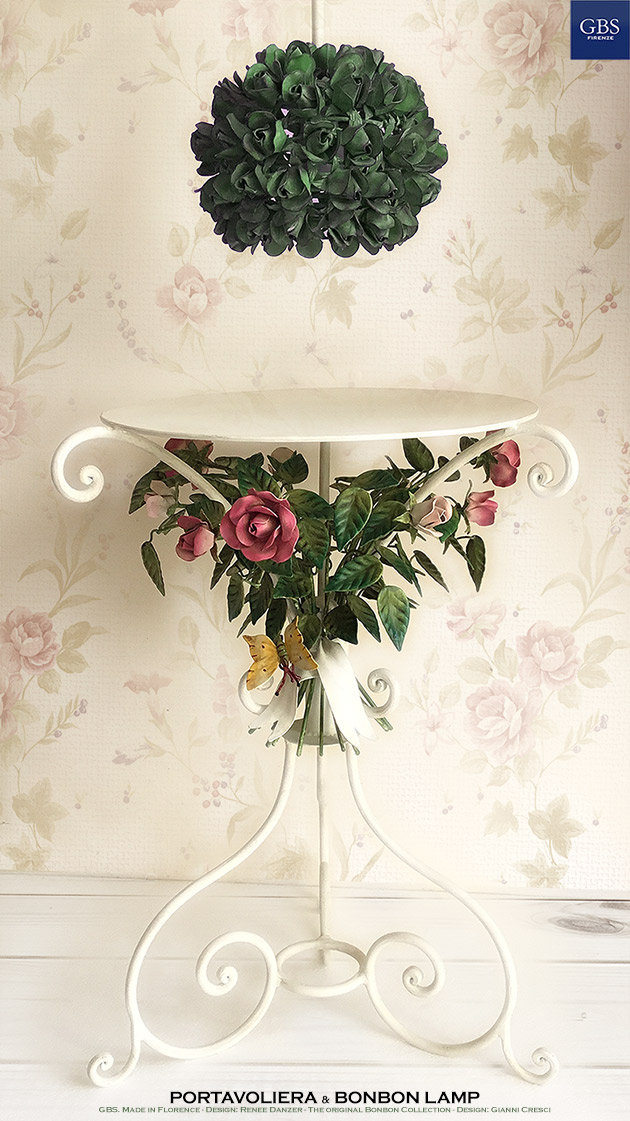 Bonbon Lamp. Design: Gianni Cresci - With Portavoliera Table with Roses - GBS Made in Italy
